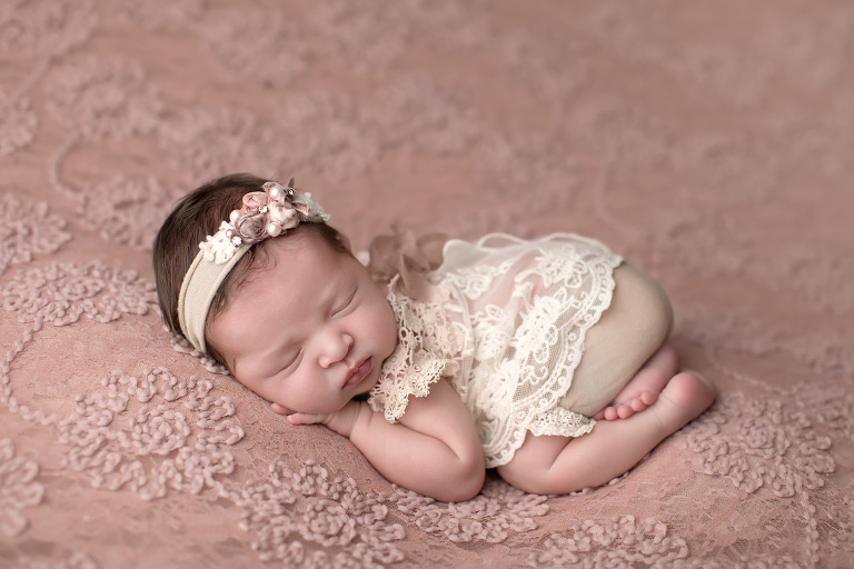 Vancouver_WA_Newborn_Photographer_Newborn_On_Cream_Lace